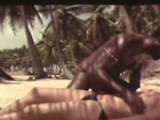 Il pavone nero 1974: 무료 포도 수확 포르노를 비디오 a1