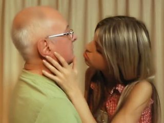 ブルネット, スリム, 接吻
