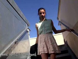 Indah remaja pertama video pemilihan pelakon
