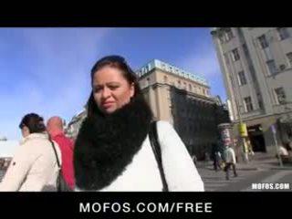 Tímida & sexy checa morena es paid para algunos caliente público sexo