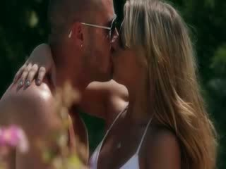 Stor titted dukke alanna anderson glamour knulling natur