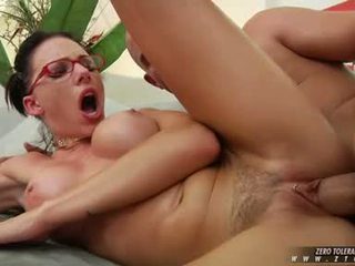 Sultry Lover Juelz Ventura Enjoys Tthis Guy Thick Spurt Of Cum That Babe Receives On Her Face