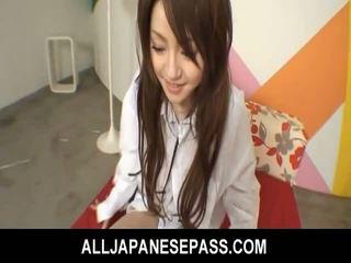 Japansk cutie ria sakurai has henne furry muff filled med pikk