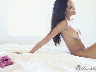 Hd pornpros -chloe amour betrapt masturberen