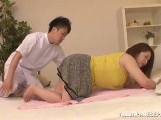 Debelušne azijke babe's velika prsi natsuko kayama
