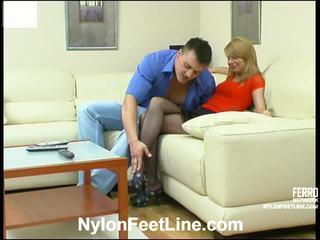 Alice og nicholas strømper footsex handling
