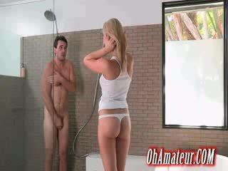 Jatty supple blond wants to duş