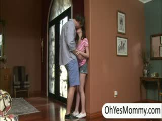 Victoria 와 boyfriend gets 겁에 질린 로 못된 단계 엄마 alexandra