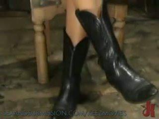 18 yr old Submissive Slut