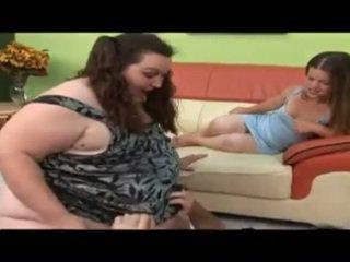 Guy neuken groot meisje en een dwerg