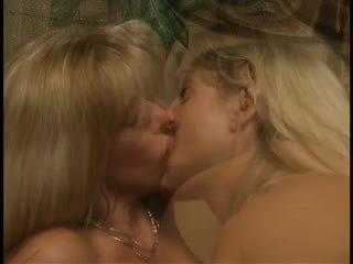 cumshots, lésbicas, ménage à trois