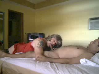 Crossdresser হার্ডকোর দ্বারা একটি কামাসক্ত guy