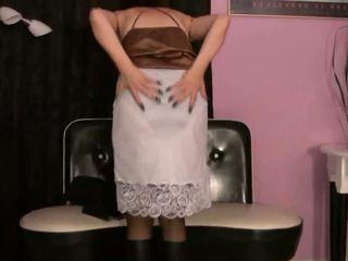 Karstās milfs uz softcore erotika wearing zeķe