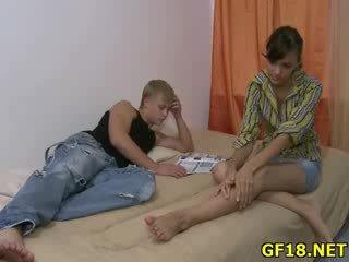Лялька spreads довго ноги