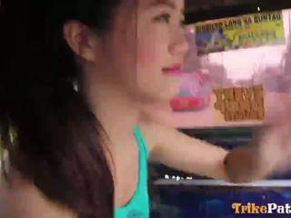 Schattig filipin zeer jong teenager mitch van trikepatrol