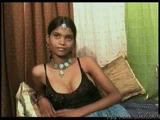 Krūtainas indieši pusaudze creampied un fucked mercilessly