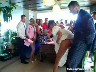 Сватба whores are чукане в публичен