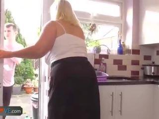 Agedlove vecs krūtainas blondīne grannies lacey hardcore