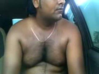 Amateur indisch pärchen ficken drinnen parked auto
