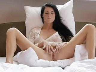Pecosa gal margot masturbates su muff