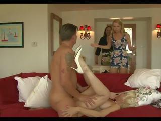 Gek mama 3: sperma in mond hd porno video- 93