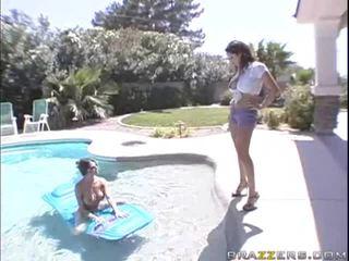 ¿cuándo marido web webcamerae casa, él follada ambos.