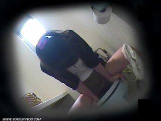 مرحاض masturbation في مخفي camera