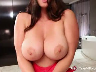 tits, শ্যামাঙ্গিনী