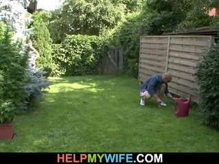 Žena zajebal s the gardener s mož obstaja