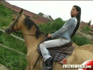 Klara smetanova - seksi di ladang