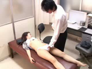 परवरटेड डॉक्टर paralyses patients 1