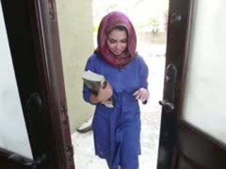Възбуден брюнетка arab тийн ada gets filled