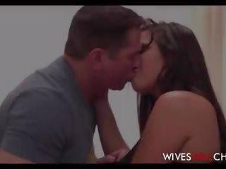Sexy overspel tiener vrouw karlee grey geneukt door haar.