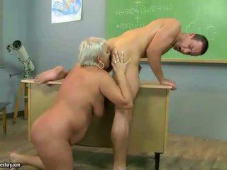 Matang guru seks / persetubuhan dengan beliau murid