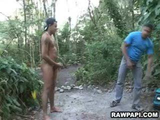 Латински гей без презерватив чукане действие