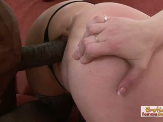 Gilf 懶婦 aja barely fits 這 巨大 黑色 迪克 在 她的 holes