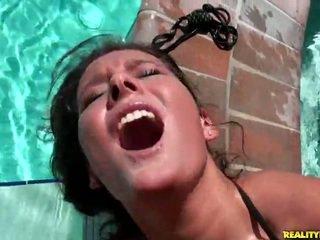 Erin piatră gets hardcored de the piscina