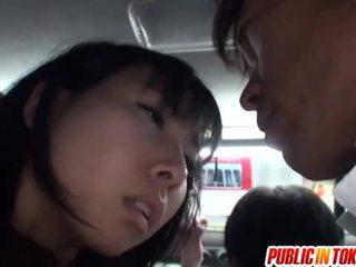 Japanska fittor stimulated på den tåg