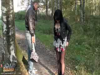 Liederlijk outdoors seks video- gemaakt in park