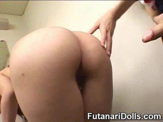 Futanari cums na školačka!