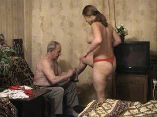 Russe teena et vieux homme vidéo