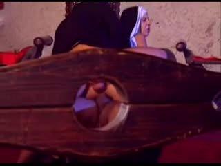 Slecht nuns takes wat ze wants video-