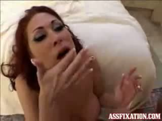 Tiffany mynx needs da biti fed