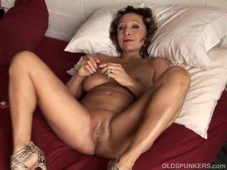 Sexy vedio in die agirl en de docter controleren poesje