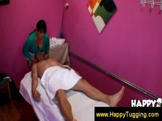 Rondborstig masseuse krijgen paid voor services