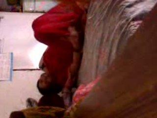Pakistaans huisvrouw in overspel privé video-