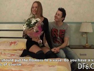 Wettelijk leeftijd teenager widens virgin benen