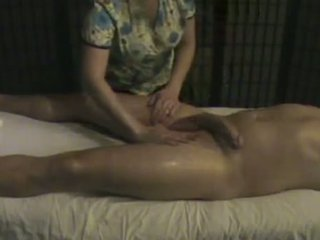 Massage instituut masseuse takes zorg van een groot whi