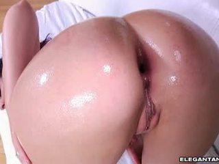 Marvelous babe caroline pierce receives jizzed op haar mond na een rocking assfuck
