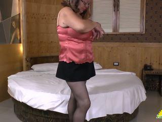 Latinchili latine mature solo masturbation: gratuit hd porno 10
